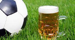 Пиво - любимый напиток футбольных фанатов