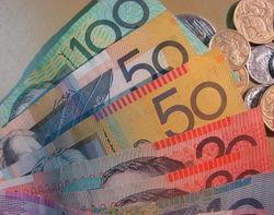 Курс доллара растет против австралийца на Форекс на 0,11%