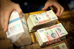В Узбекистане ужесточат контроль за валютообменными операциями