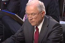 Генпрокурор США клятвенно заверил в отсутствии связей с Россией