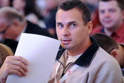 Украинца Сенцова, обвиняемого в терроризме, будет защищать адвокат Pussy Riot