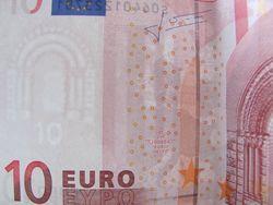 Курс доллара США к евро растет на Форекс на фоне позитивных данных по экономике Германии