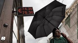 Россияне перестали следить за курсом рубля
