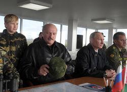 Путин, Лукашенко и Коля на военных учениях