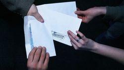 За зарплаты в конвертах в России вводят новый штраф