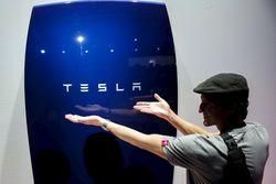 Tesla представила перезаряжаемые аккумуляторы для дома