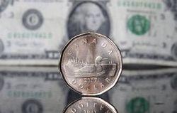 Курс доллара снижается к канадцу на Форекс: экономика Канады растет сильнее США