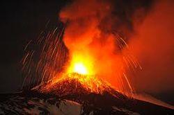 На Сицилии активизировался вулкан Этна – идут самые мощные выбросы