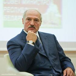 Лукашенко признал новую власть Украины