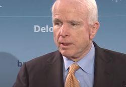 Маккейн призвал Трампа дать добро на поставку оружия Украине
