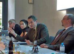 А. Делетро: Проблема передачи власти в Узбекистане и Казахстане опаснее исламизма ЯН
