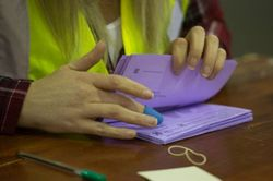 Лейбористы теряют голоса на местных выборах в Великобритании