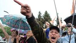 Медведев приказал беженцев с Донбасса за трое суток выселить в Сибирь