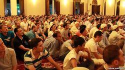 Учителя и врачи Узбекистана выгнали детей из мечетей