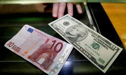 Евро снижается на 0,16% на Форекс против курса доллара перед окончанием заседания ЕЦБ