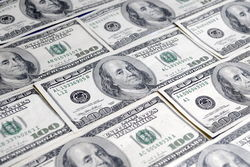 Курс доллара на Forex укрепляется к евро во второй половине дня