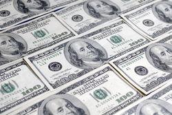 Курс доллара на форексе укрепился к мировым валютам после публикации протокола FOMC