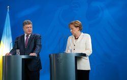 Порошенко пригласил Меркель для консультаций