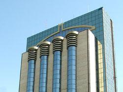 ЦБ Узбекистана: активы банков выросли на 30%, курс сума упал к доллару на forex