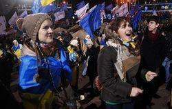 Европа просит украинцев остерегаться применения насилия