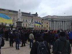Глава МВД Захарченко извиняется за Майдан и ждет провокаций на Михайловской