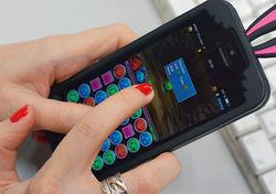 Впервые за мобильную игру потребители выложили более миллиарда долларов