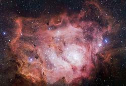 Ученые опубликовали последние снимки туманности Лагуна, поражающие взор