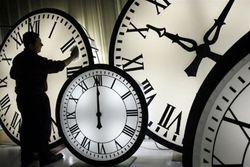 Госдума рассмотрит закон о переходе России на астрономическое время