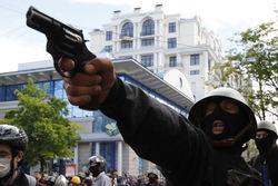 Боевики дерутся между собой за право представлять Луганщину перед Киевом