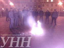 По всей Украине протестуют против силового разгона блокады ОРДЛО