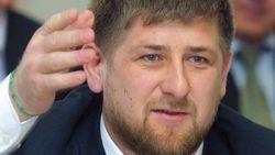 """""""Мегафон"""" в Грозном закидали сырыми яйцами"""
