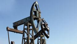 Цена нефти снижается из-за переизбытка