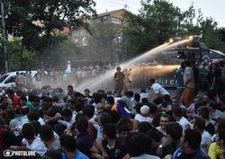 Полиция разогнала митингующих в центре Еревана