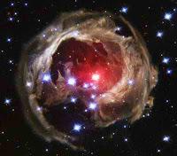 Астрономы увидели гибель самой большой звезды Вселенной