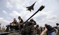 Порошенко объявил военное положение в Луганской и Донецкой областях