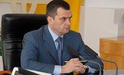 Захарченко поручил разобраться с рейдерами и посредниками в судах