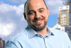 Кандидат в депутаты, проиграв выборы комбату, покинул Украину