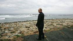 Путин вне обсуждений и слухов – пресс-секретарь Песков
