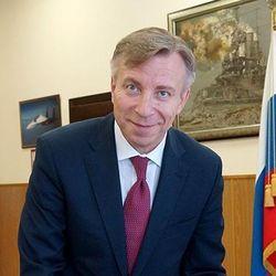 Кремль приставил к Аксенову нового смотрящего