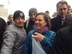 Нуланд летит в Украину говорить о Донбассе и реформах
