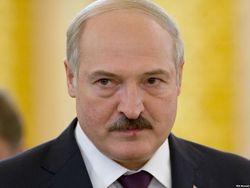 Лукашенко пообещал, что Беларусь поможет Украине нефтепродуктами