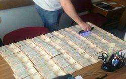 Сотрудник Госфининспекции уличена во взятке в Черниговской области