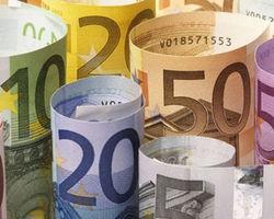 Курс евро торгуется с понижением к доллару на Форекс на 0,04% перед выборами в Украине