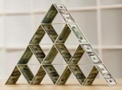 Эксперт: Пенсионный фонд Украины превращается в финансовую пирамиду