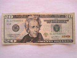Курс доллара США снижается к мировым валютам на фоне повышения ликвидности банков Америки