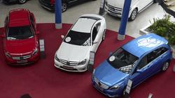 Из Беларуси и Казахстана в Россию едут на шопинг за автомобилями