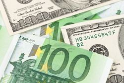 Курс евро на Forex понизился в район 1.3385