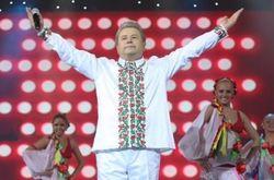 """Довыборы в Украине: """"Поющий ректор"""" Поплавский проходит в Раду - экзит-пол"""