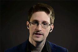Признание Сноудена: Спецслужбы могут взламывать смартфоны
