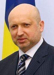Турчинов заявляет, что чиновники не должны жить за счет госбюджета